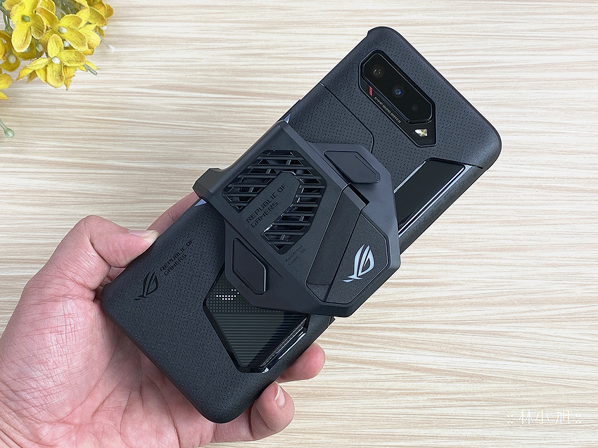 ASUS ROG Phone 5 開箱 (ifans 林小旭) (72).png