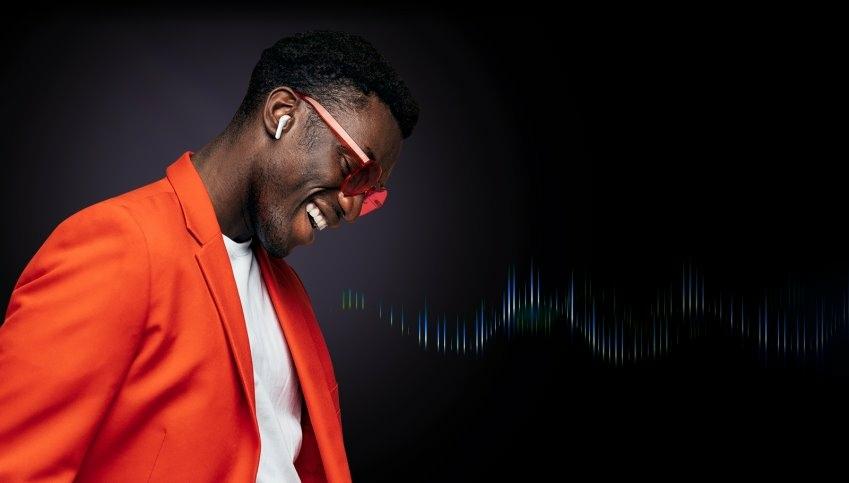 11 - LG TONE Free App 提供四種 MERIDIAN 預設 EQ 均衡器 (Equalizer)  設定,還可自訂個人專屬 EQ 模式,不論何種音樂類型都能呈現最佳音效,在家也能享受高品質音樂.jpg