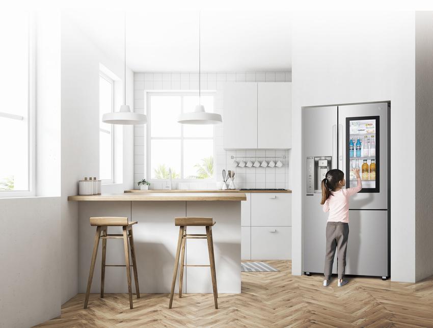 1 - LG InstaView 敲敲看門中門冰箱以及 NeoChef 智慧變頻蒸烘烤微波爐一次解決食材購買到美味上桌的安心流程,讓消費者從食材的保存保鮮,到餐食的料理過程都面面俱到。.png