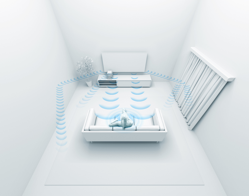 圖6) BRAVIA 最新X90J 與X85J系列內建室內環境音場優化技術,可偵測環境中可能影響聲音傳送的家具擺設,並加以自動校正音場。.png