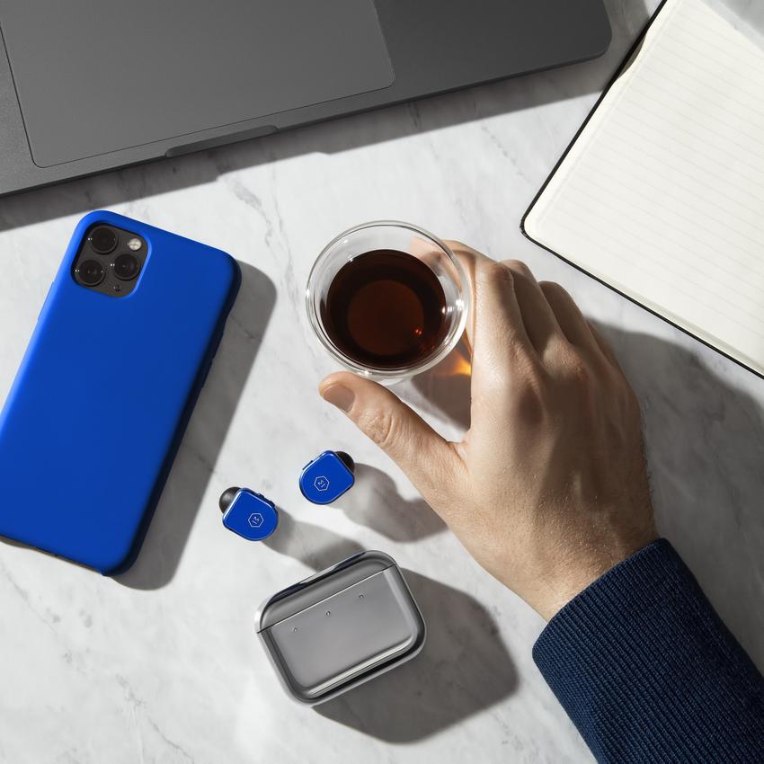 MW08BU_Desktop-Coffee-Iphone-DPM.png