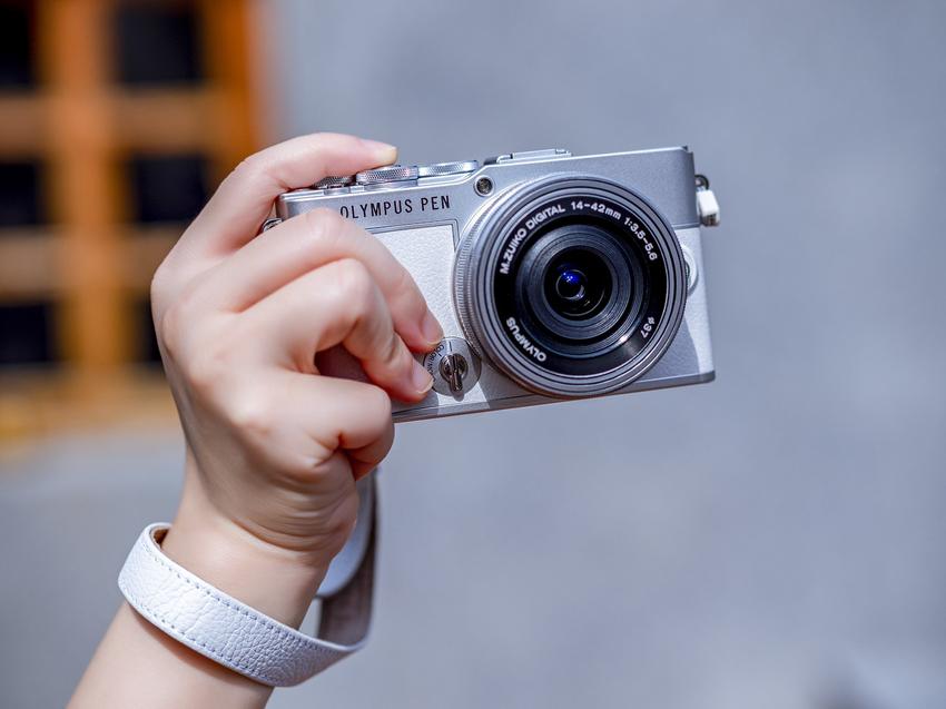 OLYMPUS PEN E-P7 日系復古微型單眼相機_簡約銀白_搭配14-42mm EZ Kit組合,建議售價NT$28,990.png