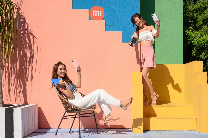 擁有極致纖薄、繽紛色調機身的Xiaomi 11 Lite 5G NE讓喜歡攜帶小廢包的女孩們就此揮別厚重、為日常注入輕潮時尚。.png