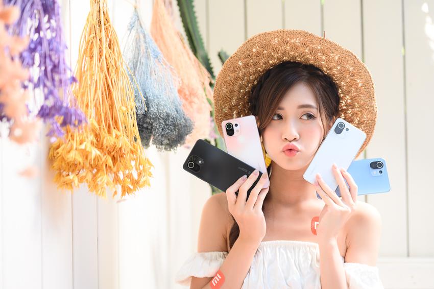 Xiaomi 11 Lite 5G NE提供糖果藍、蜜桃粉、雪花白、松露黑四種亮眼色系,將於10月8日於正式開賣。.png