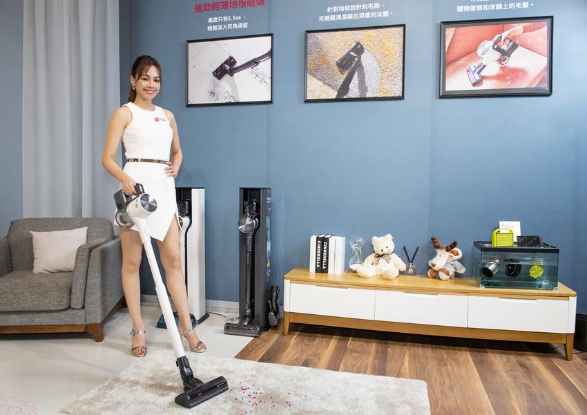 LG A9 T系列All-in-One濕拖無線吸塵器旗艦款雪霧白(A9T-ULTRA)新增地毯吸頭可深入地毯深層除塵。.png