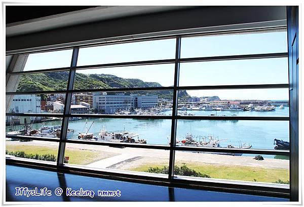 一上區探館三樓映入眼簾的是一幅會動的風景畫 - 八斗子漁港