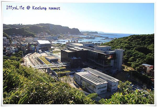 從容軒園區高點可見整個海科館主題館區,這裡以前是火力發電廠,從我很小的時候就荒廢了
