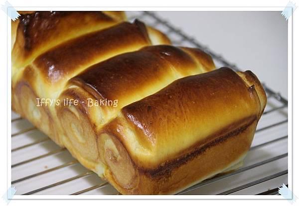 煉乳麵包 (1).JPG