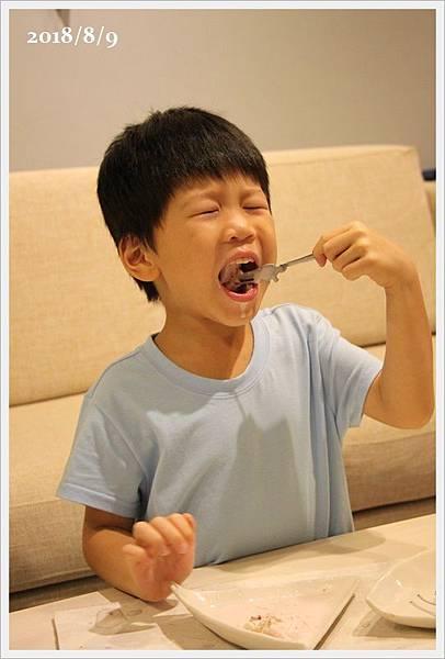 央央五歲生日 (12).JPG