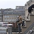 在屋頂上流浪 劇照