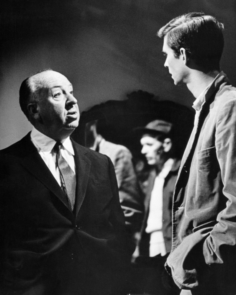 Alfred Hitchcock & Anthony Perkins on the set of Psycho (1960).jpg