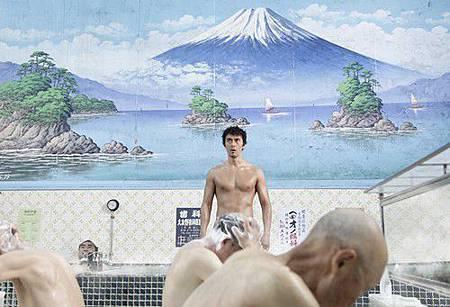 日本の銭湯にタイムスリップしたルシウス [001]