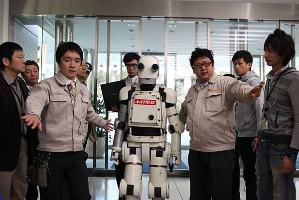 《機器老男孩》是《水男孩》、《搖擺女孩》導演矢口史靖新作