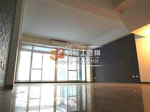 07台南買屋賣屋永慶湖美五餅二魚房屋網育平路超大坪數電梯金店面