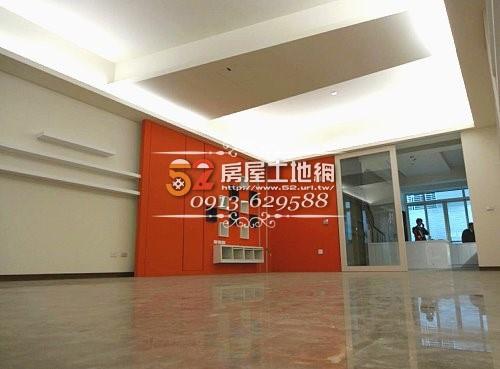 06台南買屋賣屋永慶湖美五餅二魚房屋網育平路超大坪數電梯金店面