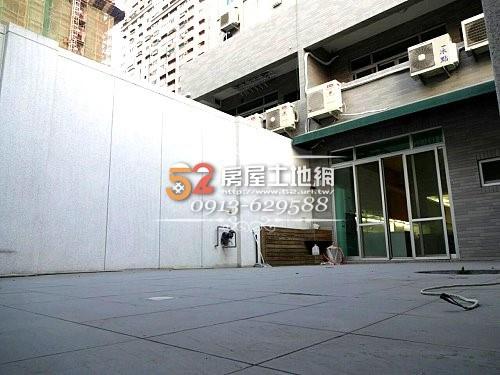 09台南買屋賣屋永慶湖美五餅二魚房屋網育平路超大坪數電梯金店面