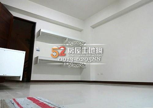 05台南買屋賣屋永慶湖美五餅二魚房屋網育平路超大坪數電梯金店面