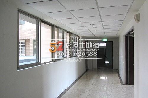 07台南買屋賣屋永慶湖美五餅二魚房屋網二空新城B區三房+平車