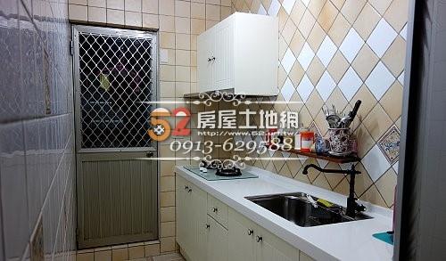 06台南買屋賣屋永慶湖美五餅二魚房屋網佳和家郃一樓裝潢大3房車位庭園住家