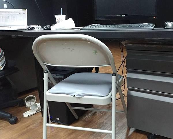 6D人體工學躺椅讓你不在腰酸背痛