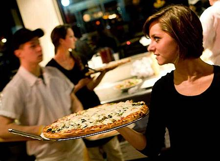 pizza-waitress.jpg