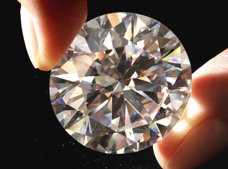 手握鑽石.jpg