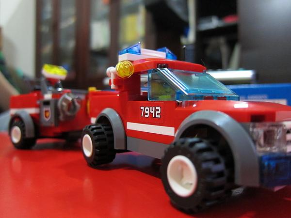 【開箱】樂高city系列消防車