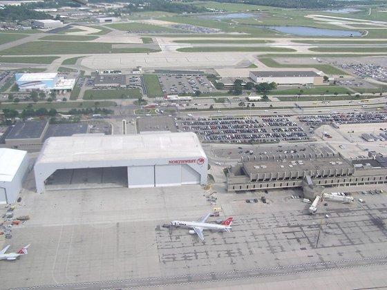 空拍底特律機場.jpg