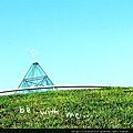 玻璃金字塔.jpg