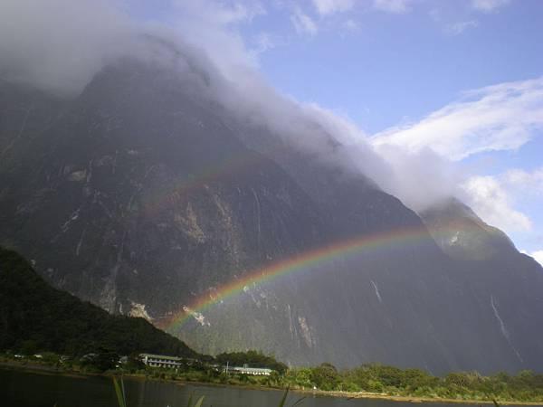 在Milford Sound遇見雙彩虹