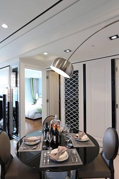 新莊副都心賞屋遠雄智慧二代宅米蘭公園工業風的客餐廳空間2