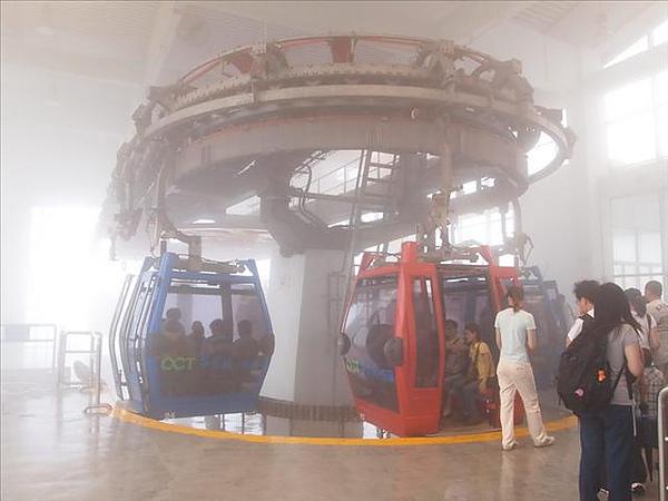 還是在霧中的纜車