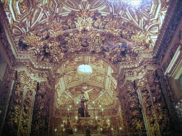 黃金教堂內部1