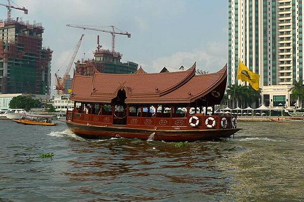 飯店接駁船