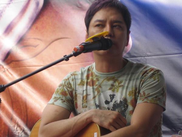 0823簽唱會 高雄SOGO.jpg