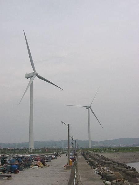 坐火車南下都會看到的大風車們