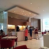 Pullman的餐廳 採光蠻好的又很寬敞