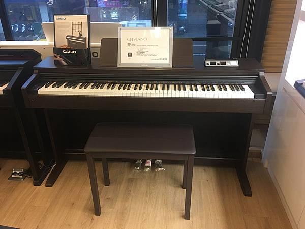 電鋼琴3.JPG