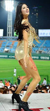 koren-showgirl-10