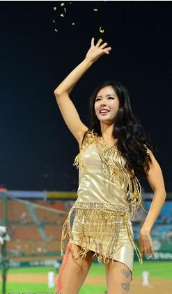 koren-showgirl-8