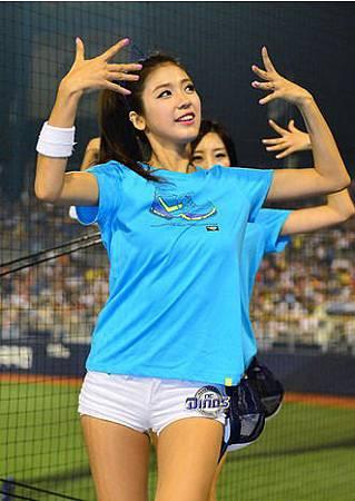 koren-showgirl-14