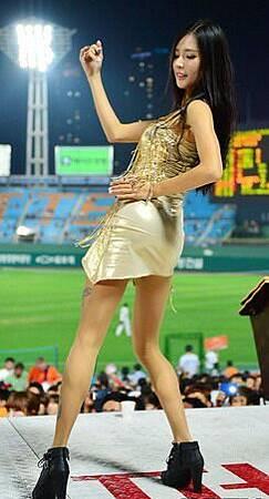 koren-showgirl-7