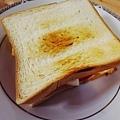 步驟7:放上略帶金黃的漂亮烤土司。 完成!