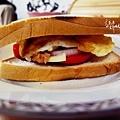 厚切番茄鮪魚吐司堡
