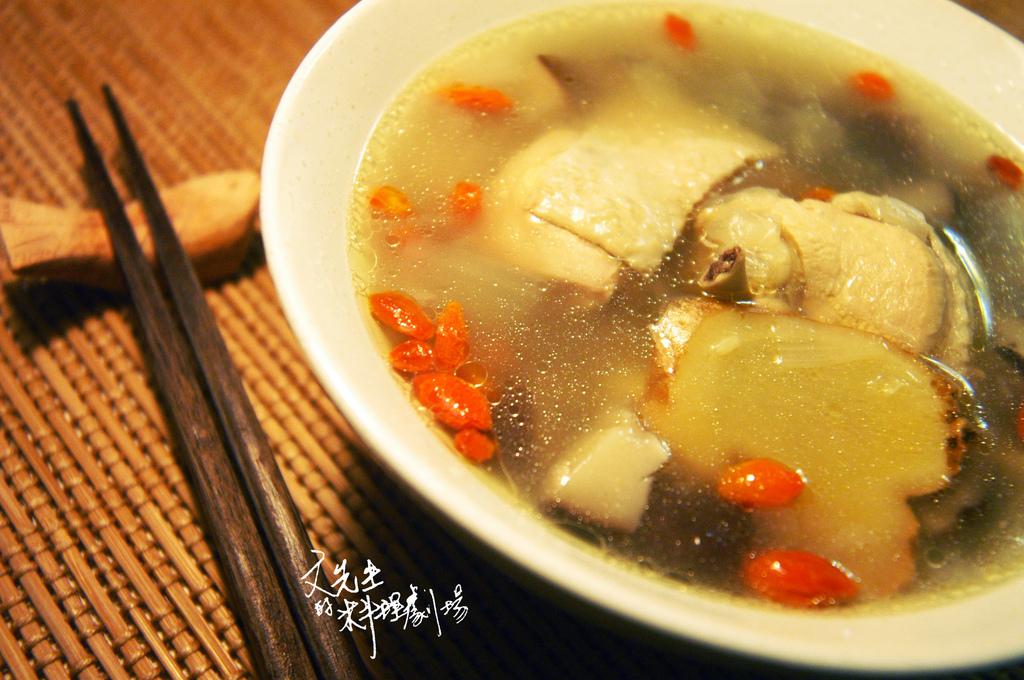 病床邊的溫柔:感冒喝雞湯