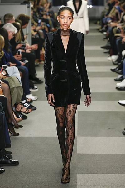 40-Naomi Chin Wing.jpg