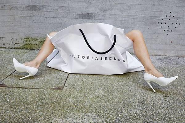Victoria-Beckham-10th-Anniversary-Campaign02.jpg