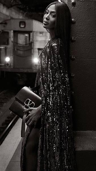 Naomi-Campbell-Valentino-Vring-Campaign01.jpg