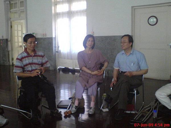印度舞大師陳彥心老師及心靈訥喊大師巴奈拿告老師上課照片