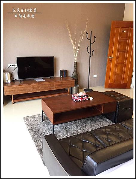 房間沙發.jpg